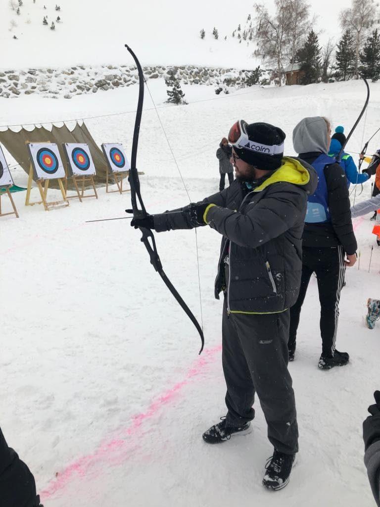 épreuve tir à l'arc dans la neige